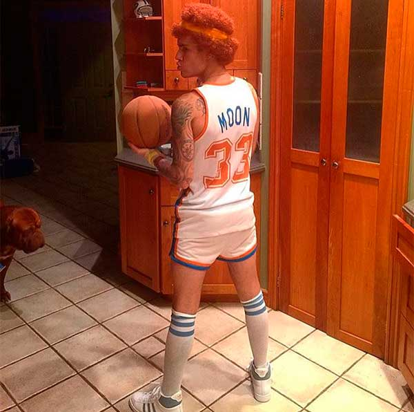 Justin Bieber channels Will Ferrell as Jackie Moon from 2008's Semi-Pro. (Photo: Instagram.com/justinbieber)