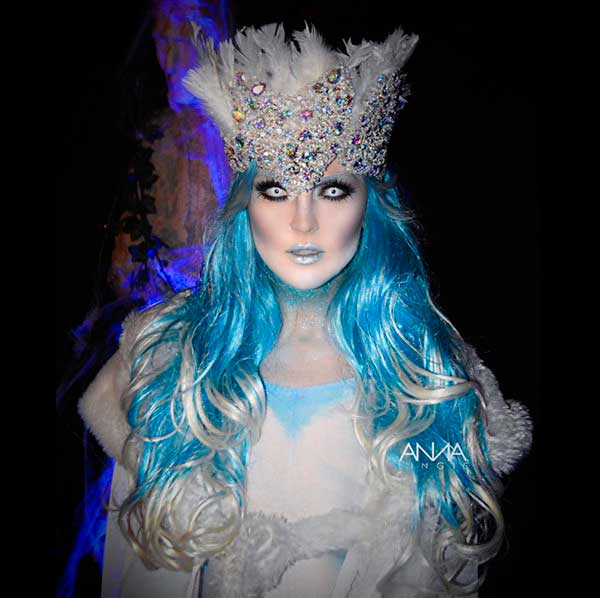 perrie-edwards-ice-queen-halloween2015.jpg