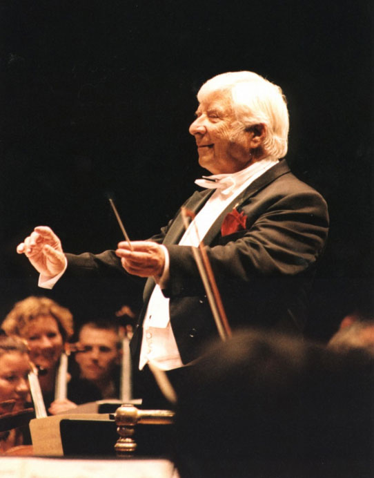 Elmer Bernstein conducts at age 80 in London.